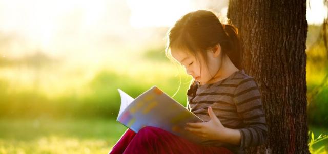 Literatura dla młodzieży – czy pomoże przekonać dziecko do czytania?